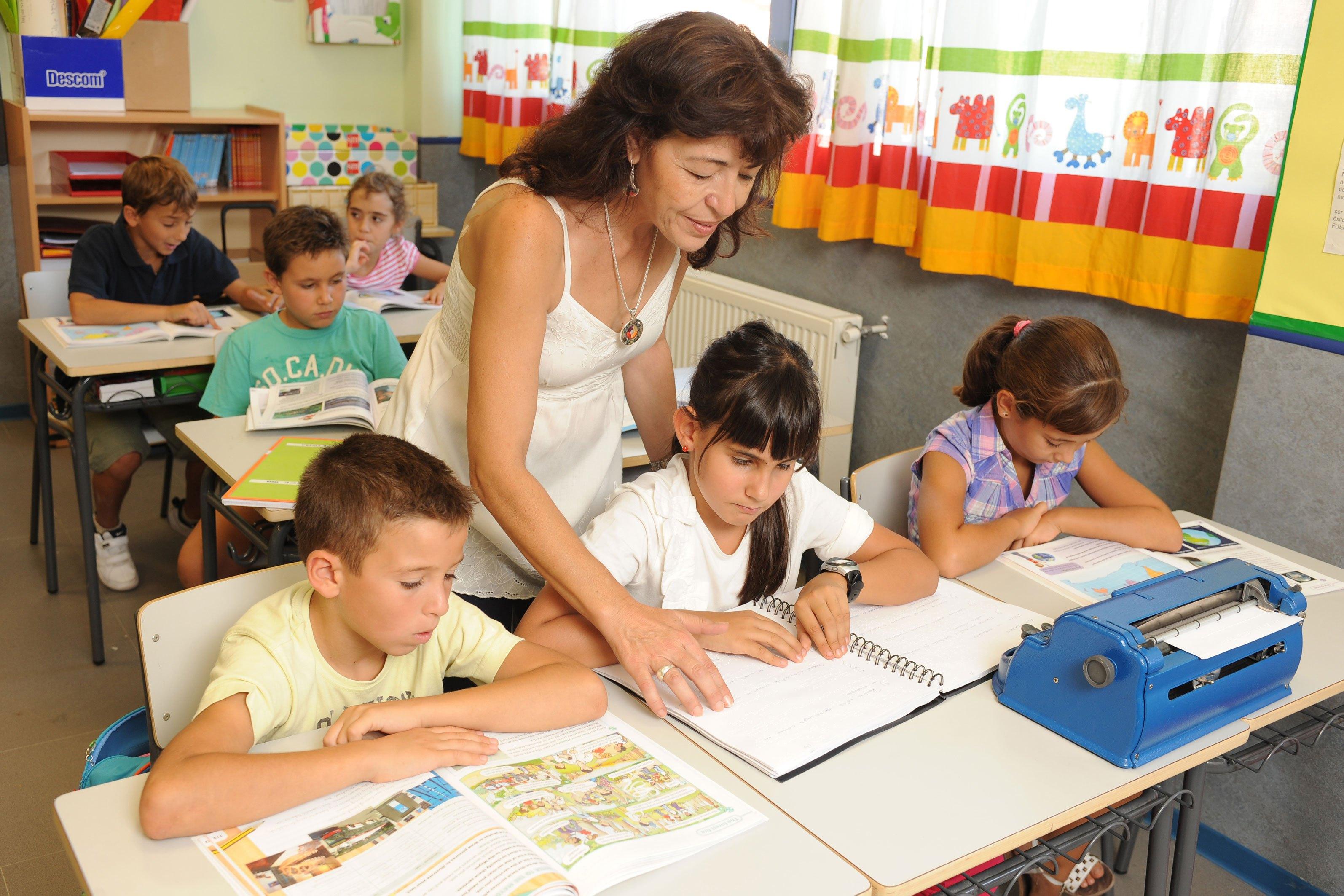 Seduc busca integrar a niños ciegos y sordos en escuelas