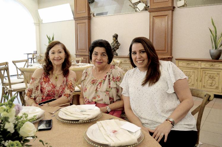 Elda Barahona de Conde, Mari Pérez Narváez de Rivero y Mari Leonor González Pérez de Carrillo