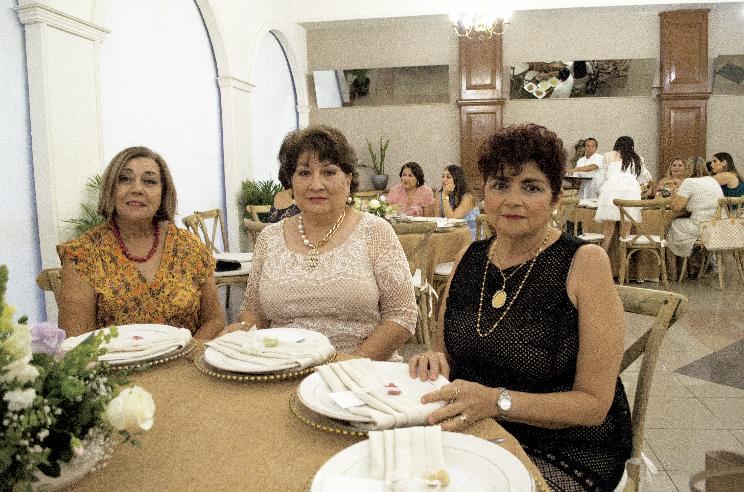 Georgina Priego de Garrido, Maricarmen Cadena de Avilés y Martha Gamboa Gamboa