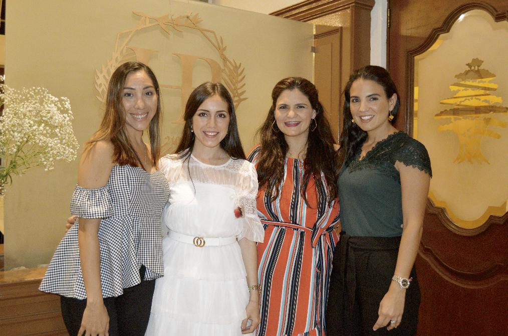Lupita Andrade Rivero, Hilda María Conde Salomón, Pitina Castellanos de Conde y Fernanda Castellanos de Hernández