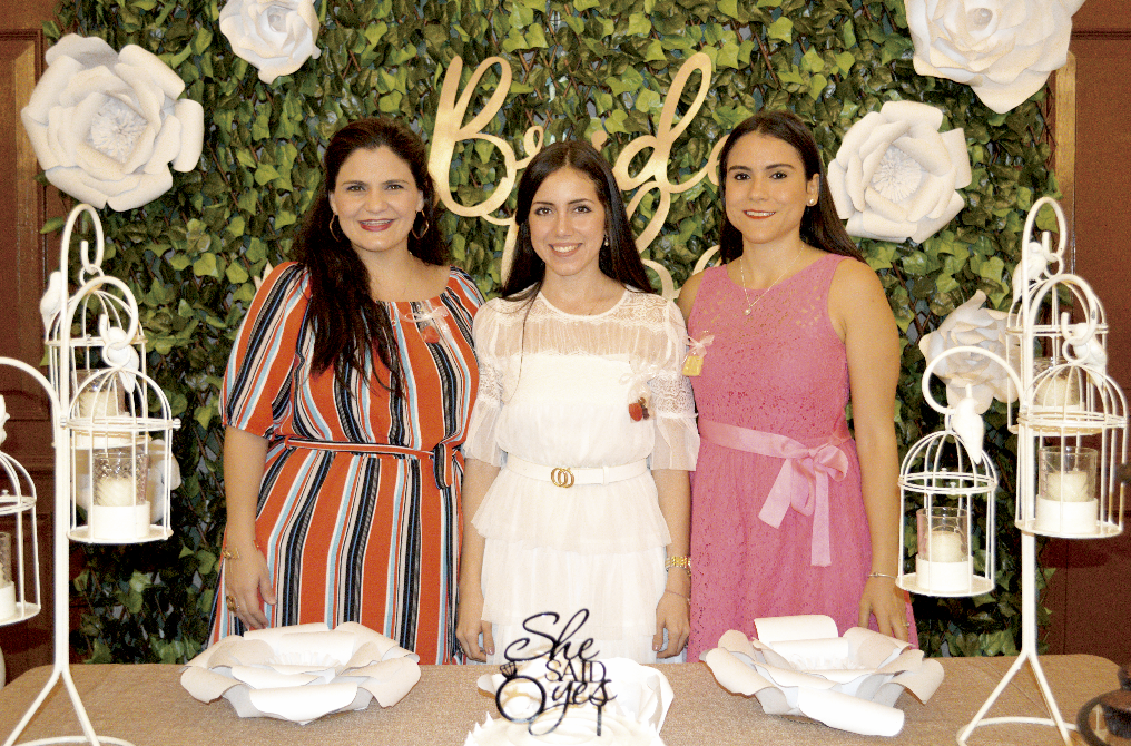 Pitina Castellanos Camino de Conde, Hilda María Conde Salomón y Teresa Broca Abreu