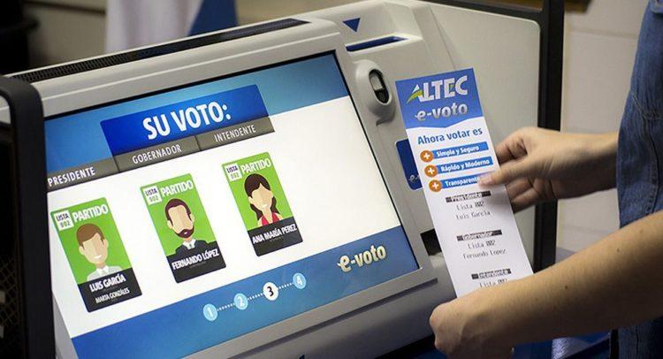 Partidos políticos difieren en uso de urna electrónica - Punto Medio
