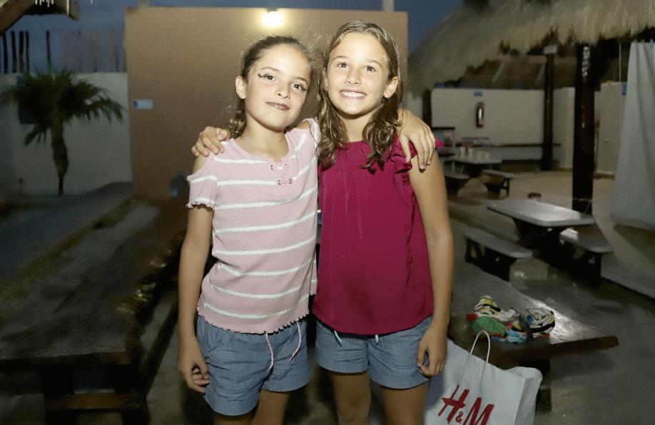Marina Baeza y Elena Abud
