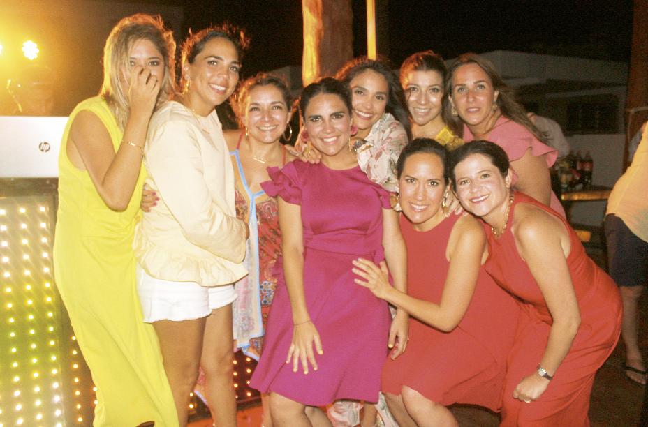 Lourdes G. Cantón, Jimena Cervera, Ana Cristina Medina, Regina Castellanos, Claudina Guzmán, Anabel Hadad, Cristina Buenfil, María Cano y Beatriz Castillo