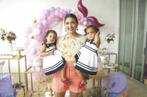 Medé Esquivel de Meza con Isabela Meza Esquivel y Valentina Meza Esquivel