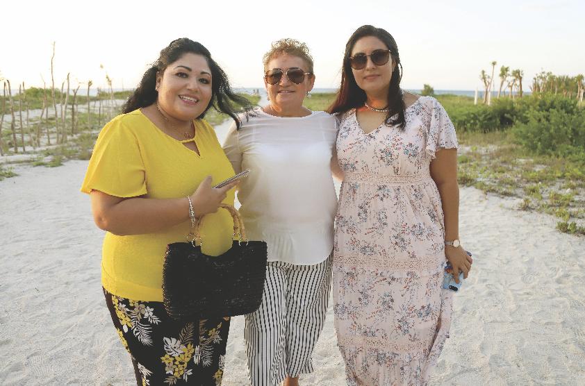 Gabriela Rentería, Landy Marrufo de Pacheco y Tania Marrufo Greene