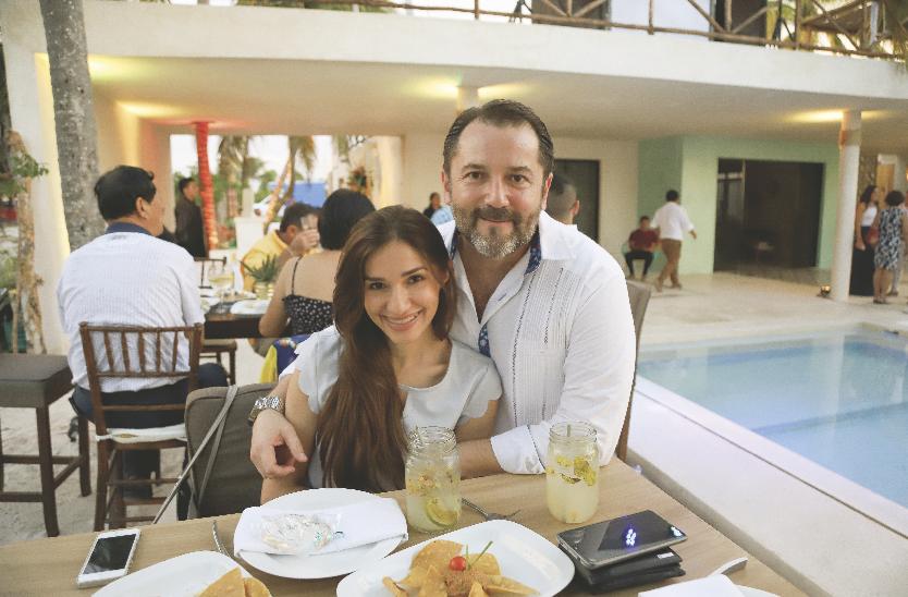 Rosa María Rivas Dauun e Iván Cobos