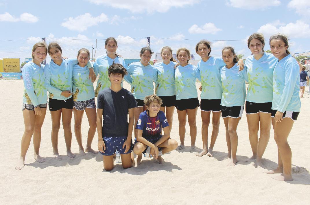 """""""Tropics"""", equipo femenil campeón"""