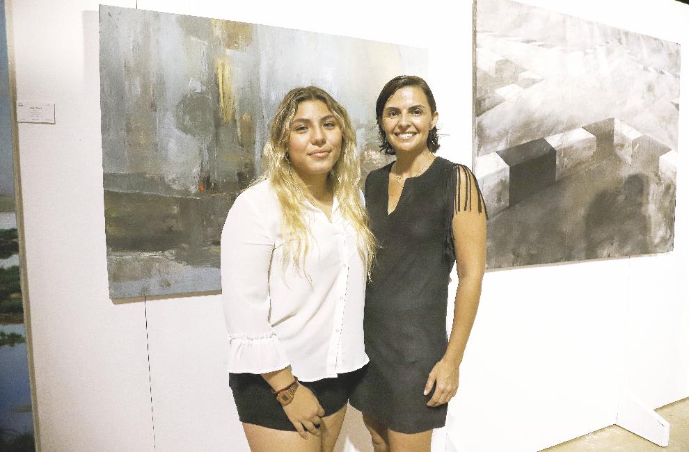 Alexa Granja y Melissa Castro Figueroa