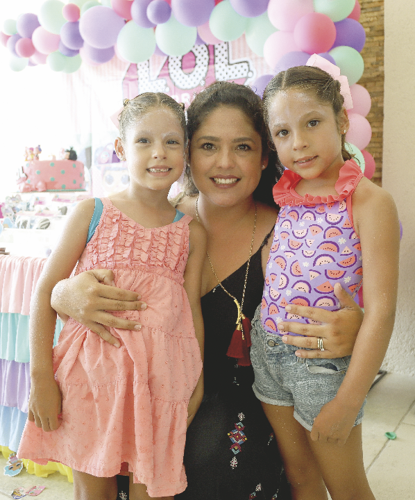 Alfonsina Sauri López con Elena y Fernanda Gutiérrez Sauri