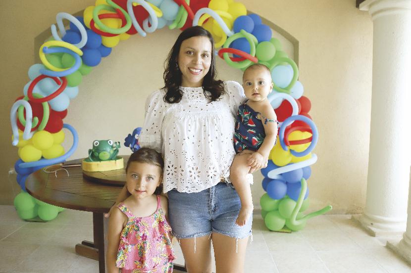 Patricia Méndez Ojeda con Isabella Ortegón Méndez y Ana Paula Ortegón Méndez
