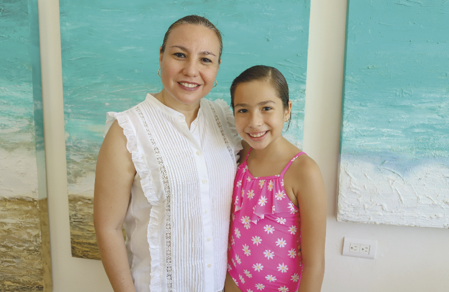 María Rosa González Vadillo con Natalia Castillo González