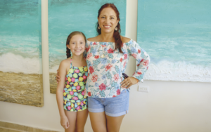 Evelyn Ancona de Castillo con Paulina Castillo