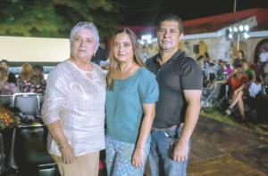 Julia Alcocer de Lara, Alicia Lara De Rosado y Josué Rosado González