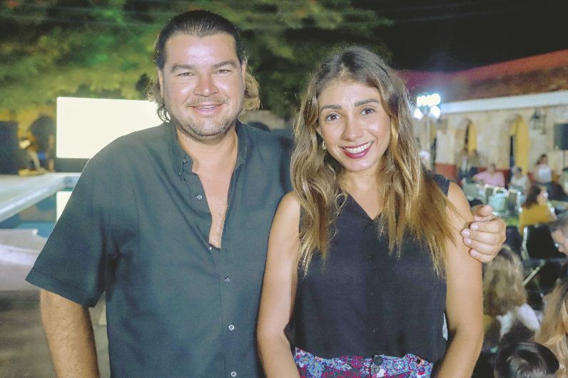 José Contreras Gutierrez y Claudette Gamboa de Contreras