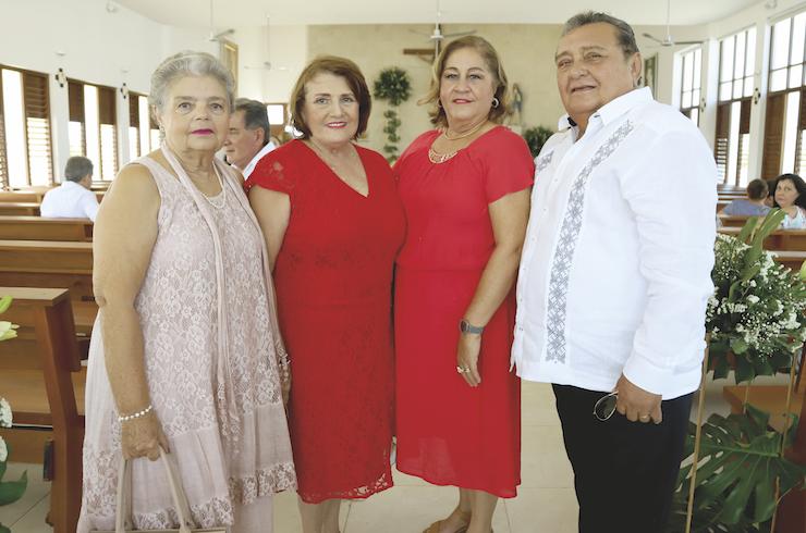 Elsie del Carmen Ortega Mena, Estela Salazar de Aranda, Margarita Aranda Ortega de Castillo y Jorge Castillo Granja