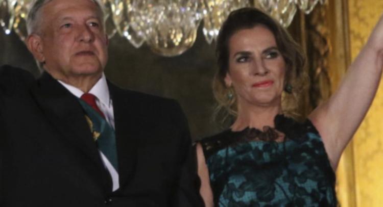 Vestido De Beatriz Gutiérrez Fue Diseñado Y Donado Por El