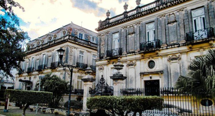 En venta una de las Casas Gemelas de Paseo de Montejo – Punto Medio